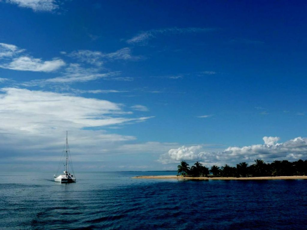 47' Catamaran AUBISQUE anchored off tropical island in Belize