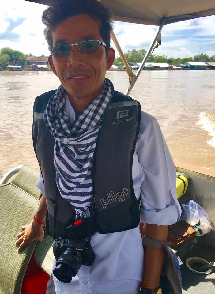 Like-minded traveler joins us on a guided tour of the Mekong River AQUA MEKONG