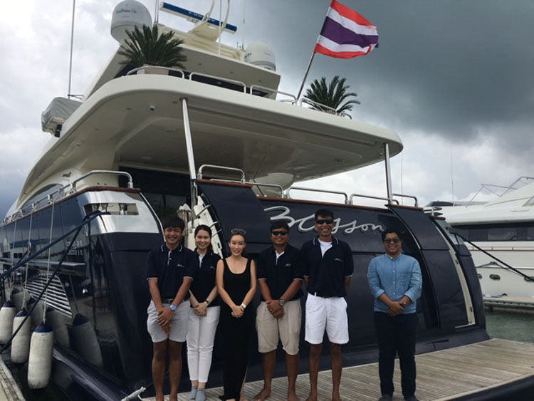 101' BLOSSON MotorYacht_PhuketThailand YACHTING FAM TRIP IN THAILAND