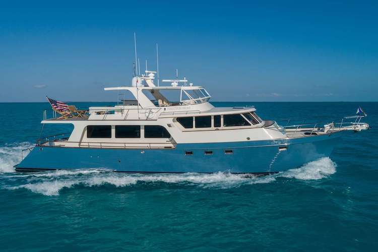 72ft Marlow motor yacht Halcyon Seas on the ocean