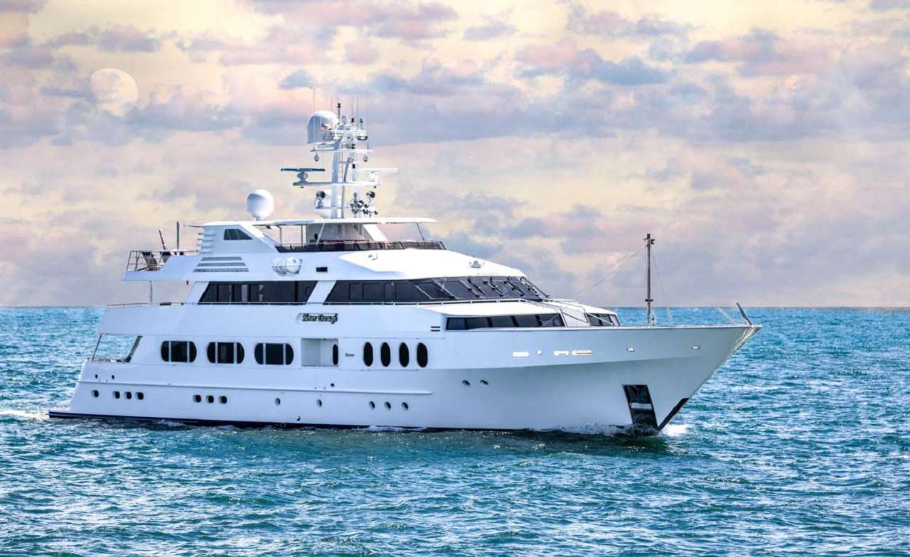 Never Enough 140ft Feadship M-Y at sea