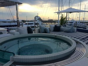King Baby Motor Yacht Top Deck Jacuzzi