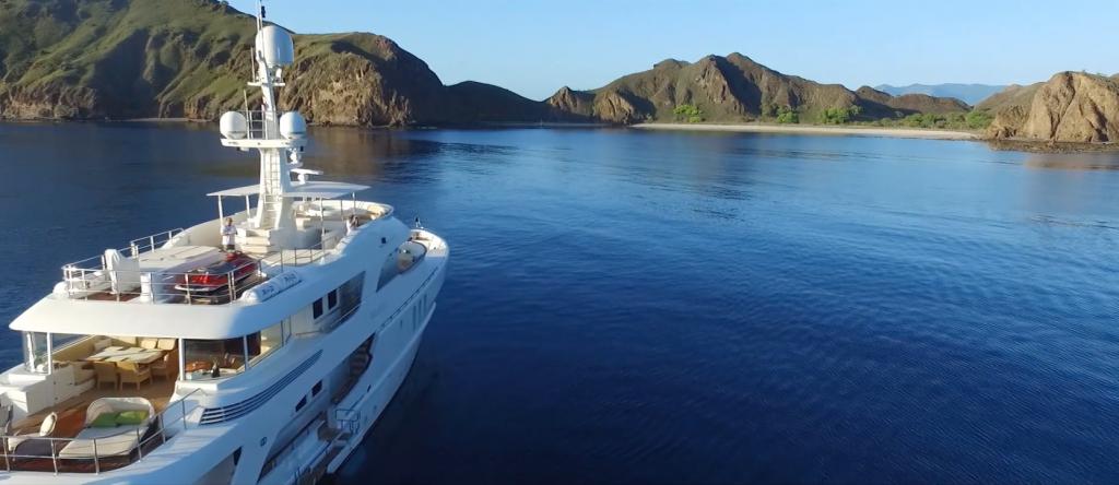 M/Y Beluga cruising in Australian waters